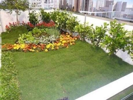 2. Você pode fazer um jardim externo como este em sua casa. Projeto de Sueli Porwjan
