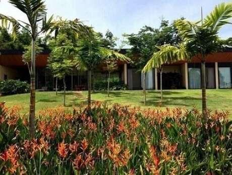 12. Jardim grande com plantas diversas. Projeto de Daniel Nunes Paisagismo