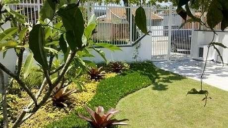 13. Seguir nossas dicas de como fazer um jardim, você pode ter um como este que foi projeto de Mattiolli e Claudino