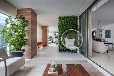 29. Jardim vertical em varanda gourmet. Projeto de Luciana Tomas