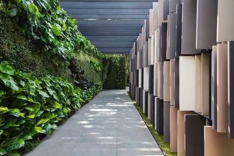 67. Sabendo como fazer um jardim vertical, você pode ter algo como o que foi feito neste projeto de Alex Hanazaki