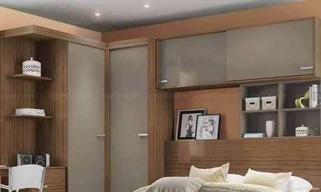 29. Há diversos modelos de armários embutidos e um deles é o armário com cama embutida