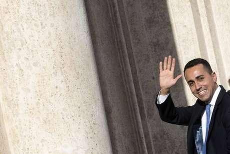 Luigi Di Maio negocia tanto com a direita quanto com a esquerda para conseguir formar governo