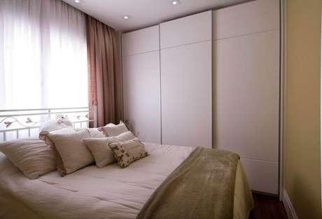 16. Modelos de armários embutidos para quarto pequeno