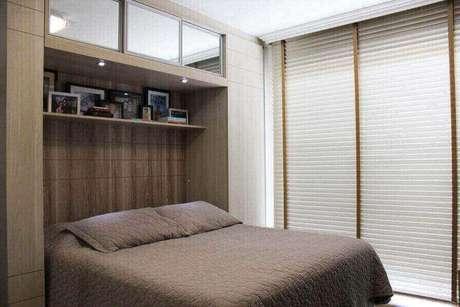 35. Quarto de casal com armário com cama embutida