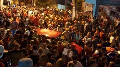 A maior parte dos militantes reunidos em apoio a Lula eram MTST