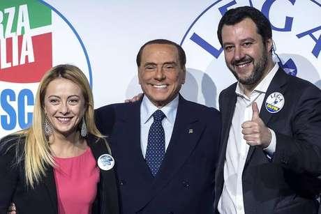Giorgia Meloni, Silvio Berlusconi e Matteo Salvini, os pilares da coalizão de direita