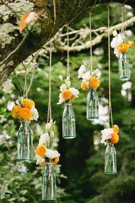 15. Delicada decoração de festa de casamento rústico