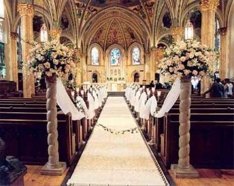 52. Decoração de casamento na igreja