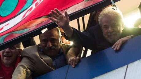 'Não tem como Lula sumariamente ser descartado da política brasileira', diz analista