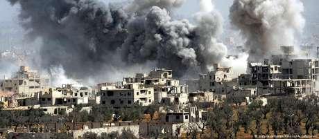 ONGs falam de dezenas de mortos após ataque a reduto rebelde na Síria