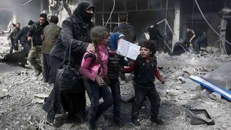 Conflitos iniciados na Síria há sete anos teriam matado e ferido milhares de pessoas até agora e não há perspectiva de melhora no quadro