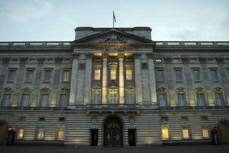Polícia prende motorista de van 'suspeita' em Buckingham