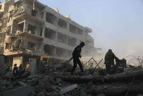 Líderes mundiais prometem resposta a ataque na Síria