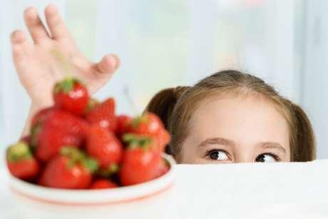 Dicas para ajudar as crianças a comerem melhor: aja com naturalidade