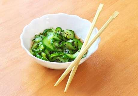 Salada de pepino japonesa