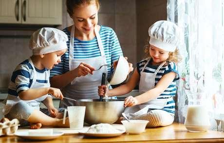 Dicas para ajudar as crianças a comerem melhor: valorize a hora da refeição