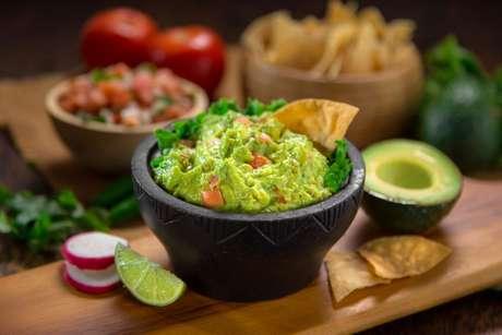 Guacamole: receita salgada com abacate