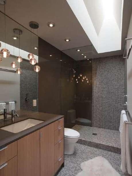 36. Pendentes podem ser usados em vários modelos de banheiro
