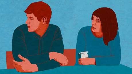 'Uma vez, a minha namorada encontou as pílulas e perguntou o que eram. Foi tão constrangedor que eu fingi que não ouvi'