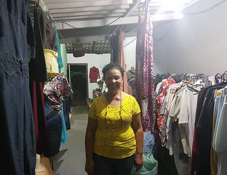 Marinalva Santana Barbosa de Aguiar, dona do Brechó da Mari