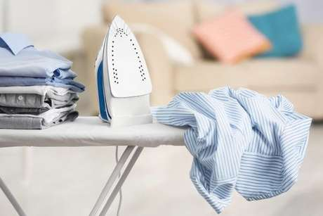 Ferro de passar roupa: confira 3 utilidades diferentes