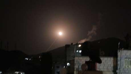 Mísseis foram disparados contra a Síria nesta sexta-feira