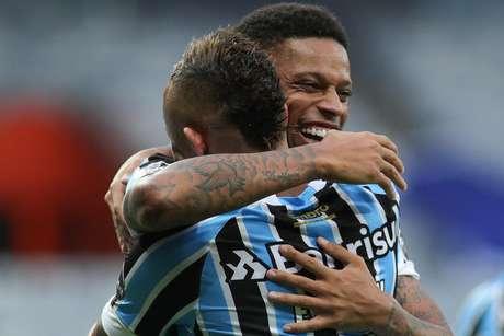 Que estreia! Em seu primeiro jogo com a camisa do Grêmio, André entrou e anotou o gol da vitória sobre o Cruzeiro.