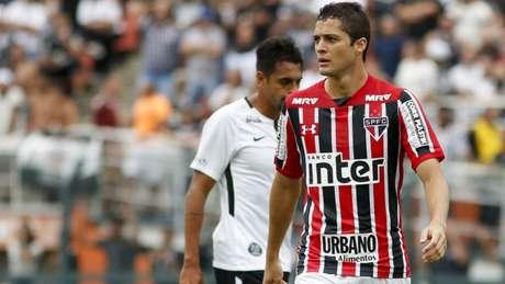 Zagueiro Anderson Martins está recuperado de dores na região dorsal e pode voltar ao time contra o Paraná(Foto: Marco Galvão/Fotoarena/Lancepress!)