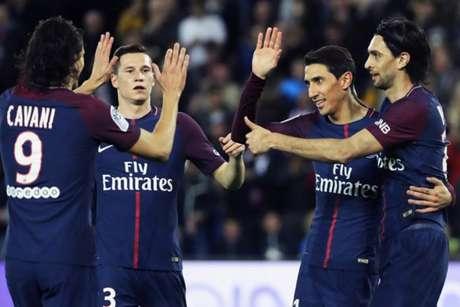 Jogadores comemoram um dos gols de Di María (Foto: Thomas Samson / AFP)