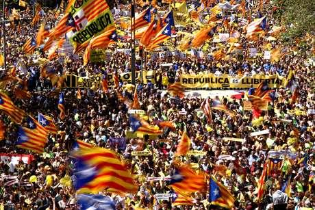 Ato ocorre 10 dias após a libertação de Puigdemont na Alemanha