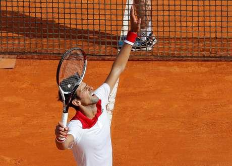 Novak Djokovic comemora vitória em Monte Carlo  16/4/2018    REUTERS/Eric Gaillard