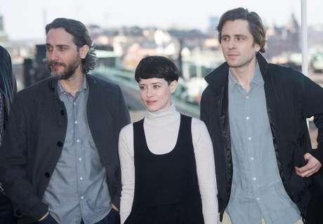 Diretor Fede Alvarez com os atores Claire Foy e Sverrir Gudnason em Estocolmo  13/4/2018    TT News Agency/Fredrik Sandberg via REUTERS