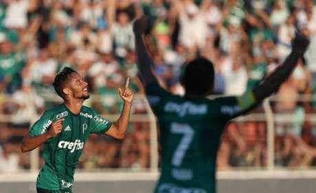 Scarpa ainda não pode voltar ao Palmeiras (Foto: Cesar Greco)