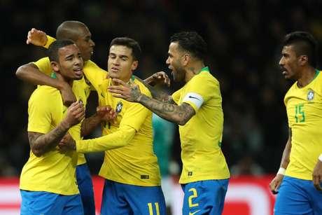 Jogadores comemoram gol no amistoso contra a Alemanha (Foto: Lucas Figueiredo/CBF)