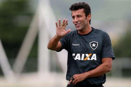 Alberto Valentim conquistou o título carioca há pouco mais de uma semana (Foto: Vitor Silva/SSPress/Botafogo)