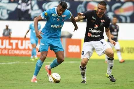 Cassiano comemora gol na estreia do Brasileiro (Foto: Divulgação)