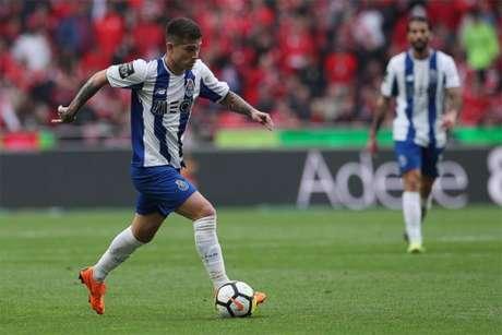 Otávio foi titular contra o Benfica