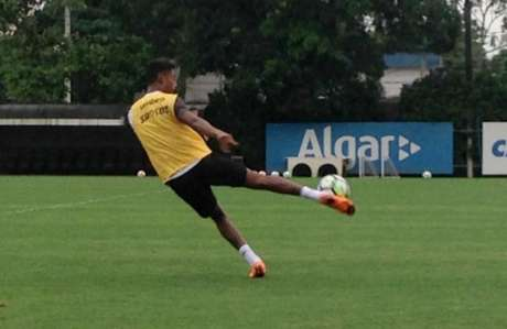 Bruno Henrique treinou normalmente nesta segunda-feira