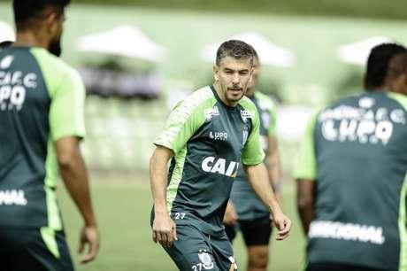 Leandro Donizete é oficializado no América-MG (Foto: Divulgação/América-MG)