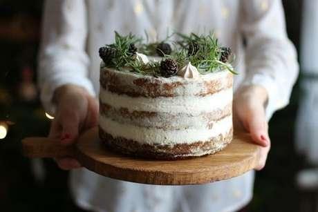 Naked cake feito com folha de acetato