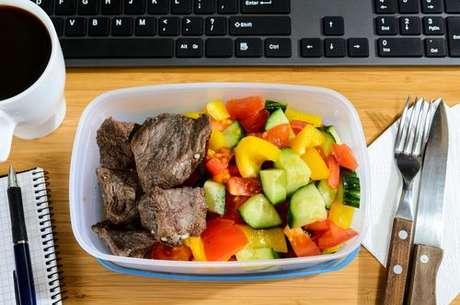 Marmita com carne e legumes