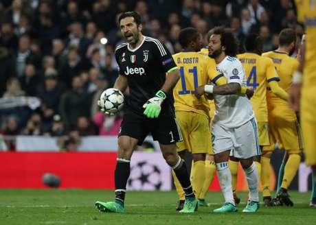 Buffon, da Juventus, e Marcelo, do Real Madrid, durante a partida semifinal da Liga dos Campeões.