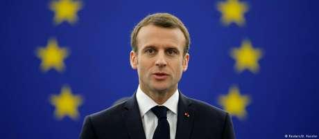 """""""A resposta não é a democracia autoritária, mas sim a autoridade da democracia"""", disse Macron em Estrasburgo"""
