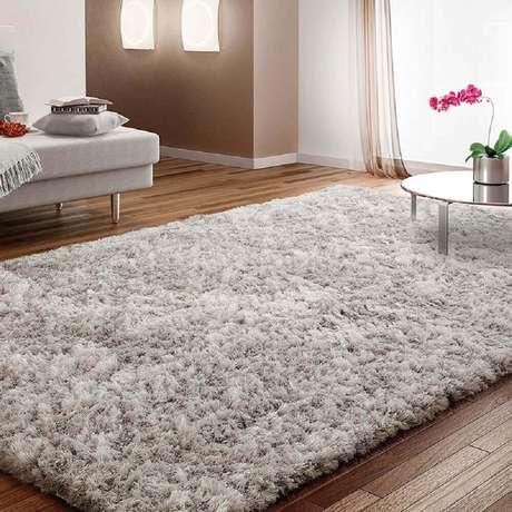Invista em tapetes para decorar a casa durante o inverno e deixá-la mais quentinha