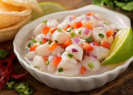 Ceviche de peixe branco: prato tradicional do Peru
