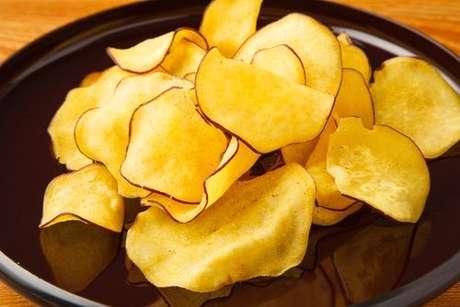 Chips de batata-doce: perfeitos para comer com ceviche
