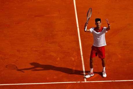 O sérvio Novak Djokovic comemorou após sua partida contra o conterrâneo Dusan Lajovic durante o segundo dia da Série ATP Masters, em Monte Carlo, Mônaco.
