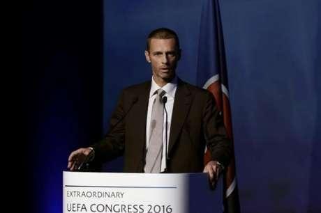 Presidente da Uefa questiona árbitro de vídeo na Copa: 'Medo'