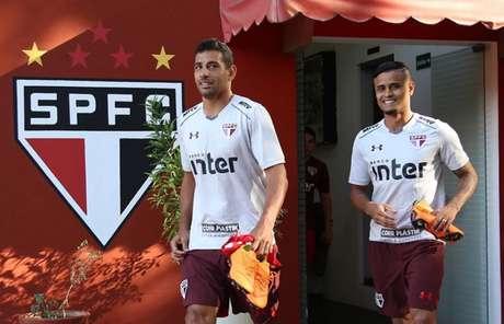 Diego Souza segue treinando no São Paulo, mas está fora dos planos do clube (Rubens Chiri/saopaulofc.net)
